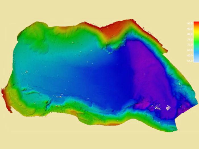 Flächenhafte Erfassung des Gewässerbodens durch neuestes Zwei-Schwinger-Multibeamlot